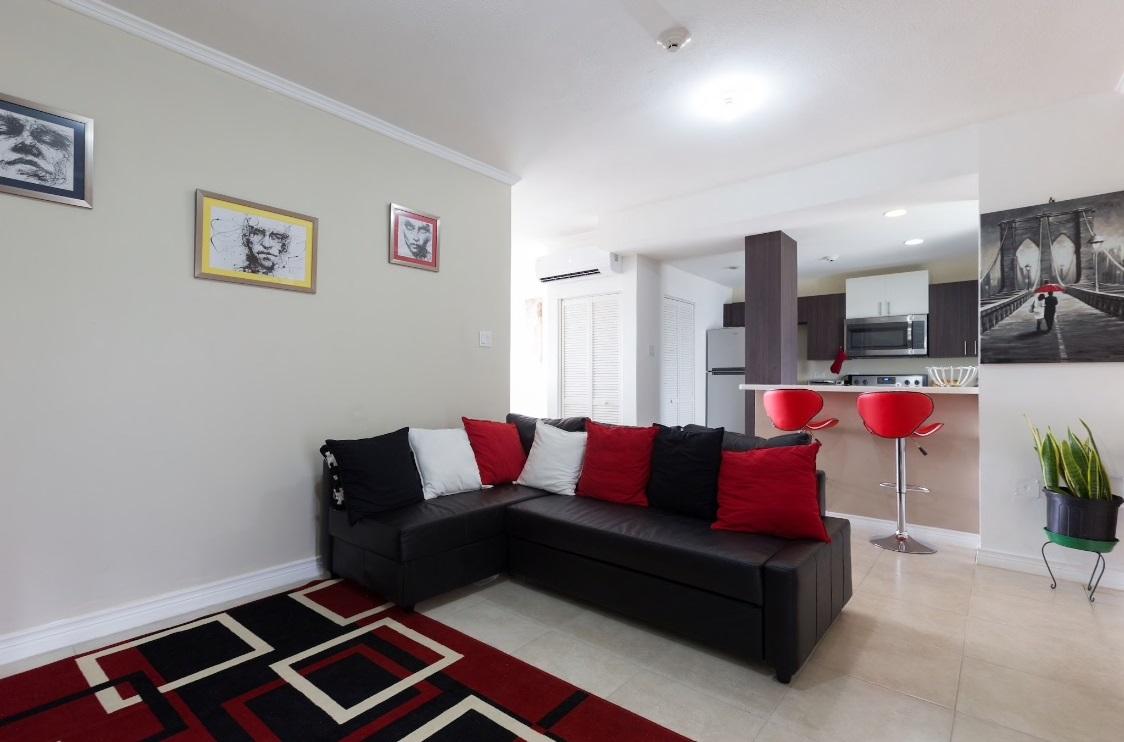 Luxury Home @ Brompton