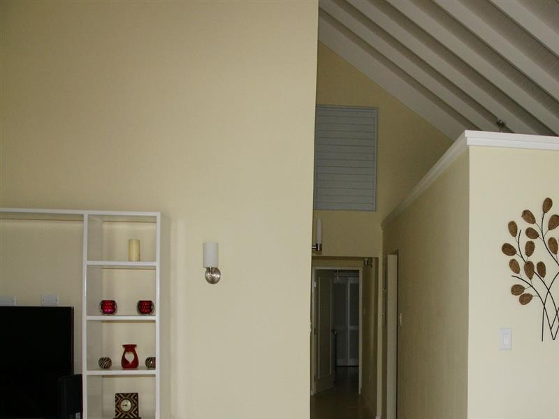 Elegant Villa 565