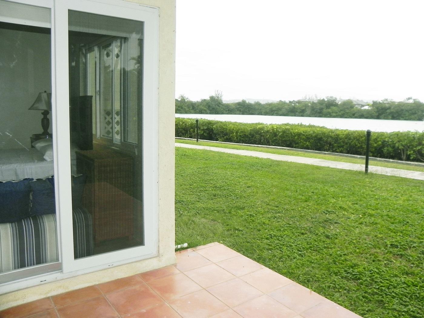 Beachfront villa by the Lagoons